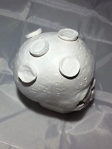 Includes 7 Plugs Large Ceramic Skull Frag Holder w// 7 Plugs Frag Station